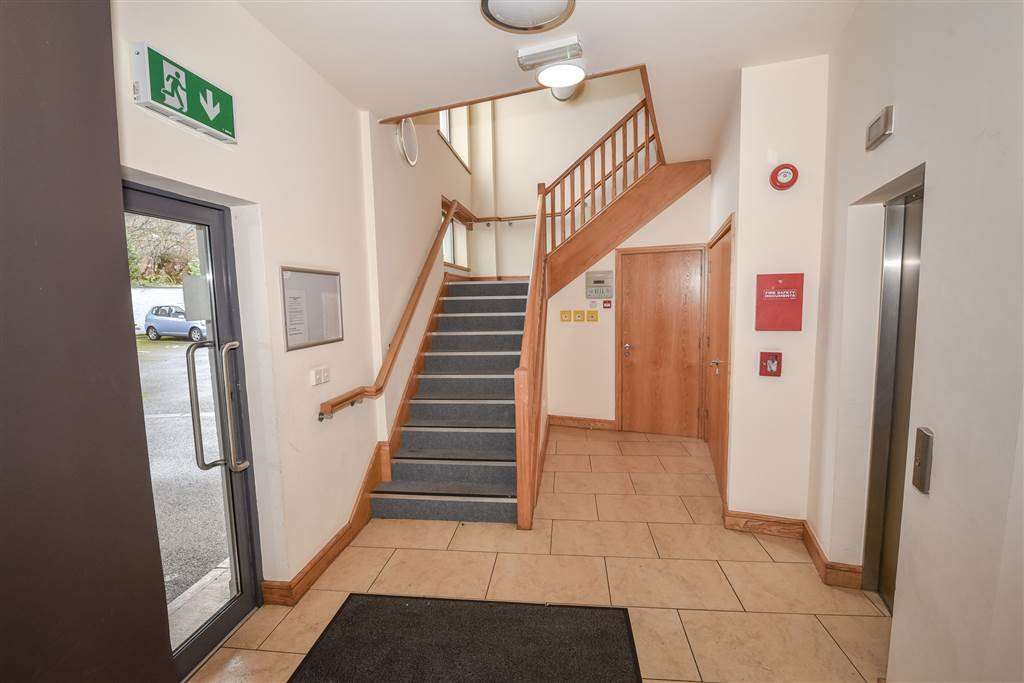 Apartment 7, 152 Malone Avenue, BELFAST for sale with John ...